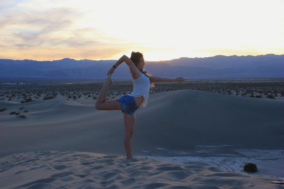 erin-yoga-deathvalley